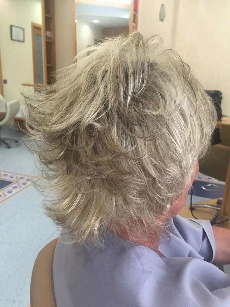 inés colomé perruqueria barberia tortosa peluquería barbería dona mujer